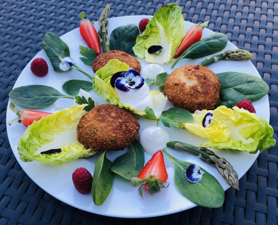 Cauliflower croquettes with horseradish mayonnaise and fresh Pinzimonio